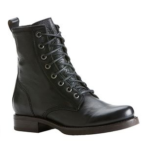 Mint Condition Womens  Frye Veronica Combat Boot